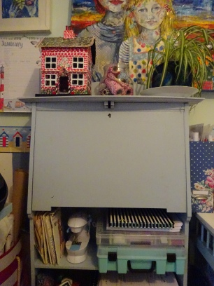 shed and cupboard 014