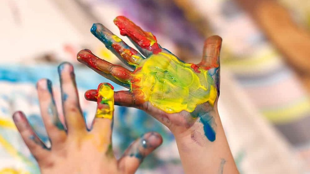 non-toxic-finger-paint-990x556