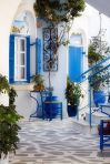 ba9c23e69a2b487d6ed5ad404e4b2956--greek-house-traditional-house